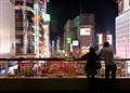 Shinjuku station - couple