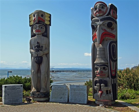 Semiahmoo First Nation fertility totems above White Rock