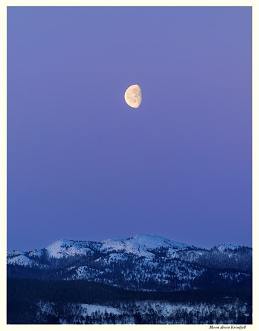 Moon above Kronfjell_03