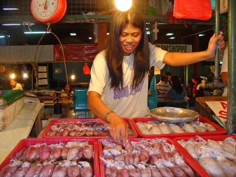 Dampa sa libis fish vendor