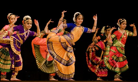 Natraj Dance Acad 5D 20May06  1656 rp Cropped-MM