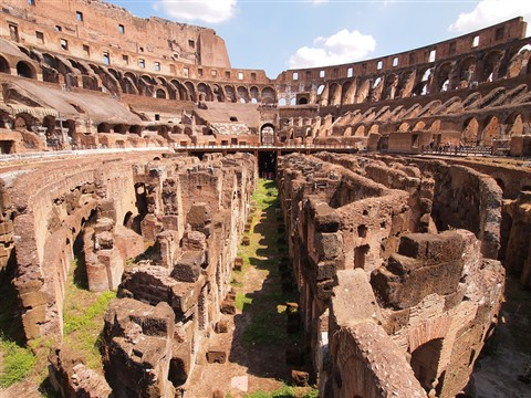 Coloseum wide