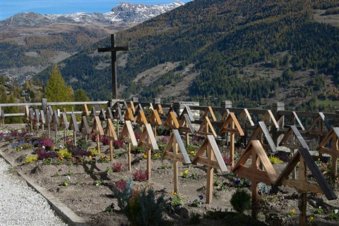 Graveyard in Grimentz