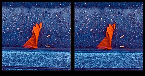 20120505@0737-3d-elizabeth-av-glove-and-butts-in-gutter-1024px