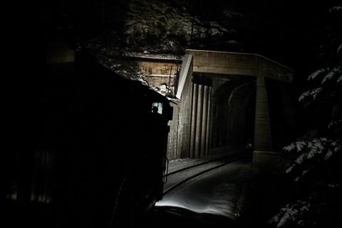 Quartz_tunnel_night_web