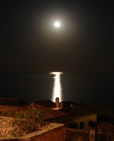 moonlight_monemvasia