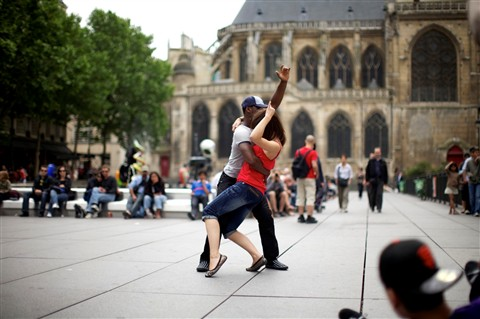 Street dancing in Paris