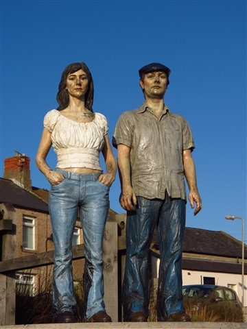 Sculpture 'Couple' (miniture), Newbiggin-by-the-Sea, Northumberland, England, UK, 11/2011