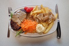Filet Mignon, peppercorn and steakhouse fries