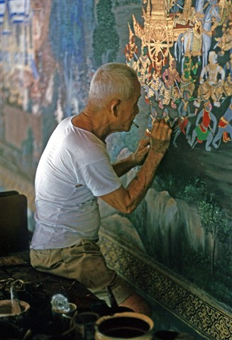 Redecorating the temple, Bangkok