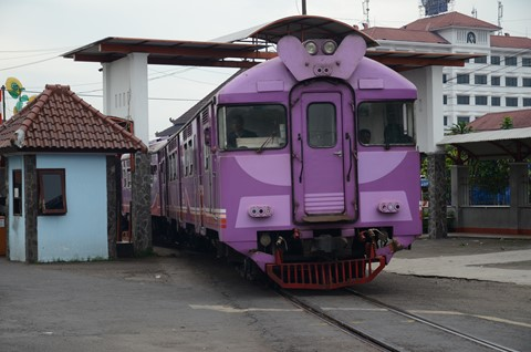 PURPLE TRAIN - JOGJA