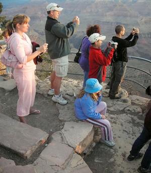 tourists01