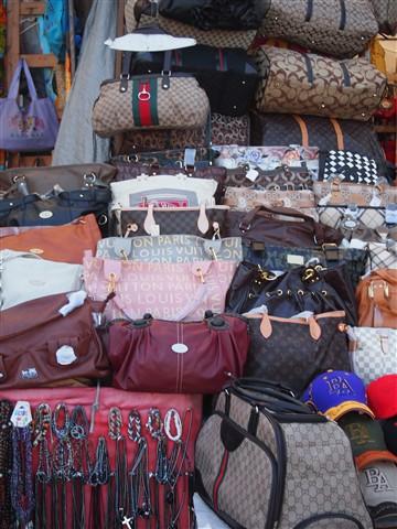 22-Bahamian Market