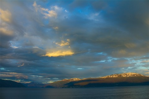 LA 178 Sunset Balestrand Mountains Norway