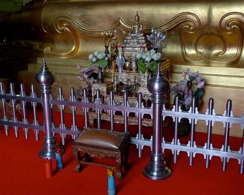 fortune telling in Thai temple (2)