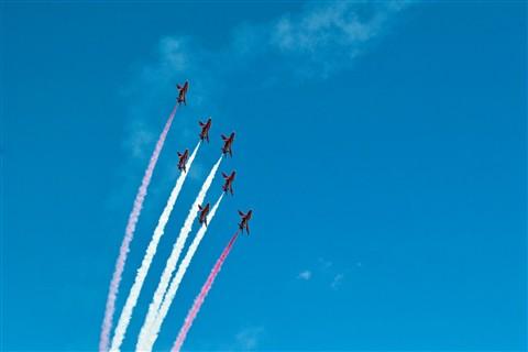 Red Arrows (2)
