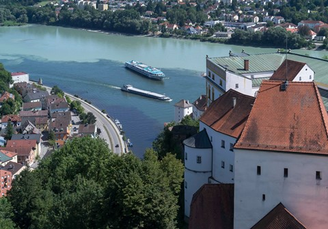The Ilz, Danube, and Inn rivers, distinguished by their colors, come together at Passau