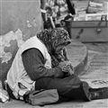 begging in Pisa...