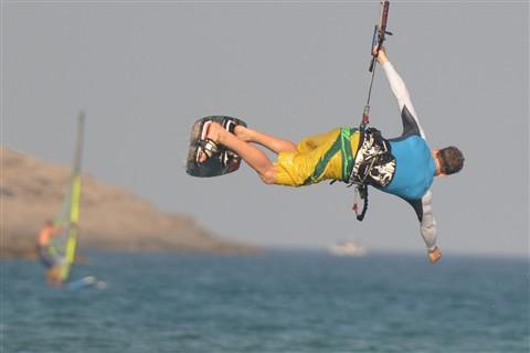YK kitesurfing 1 trimmed
