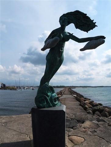 Statue1c