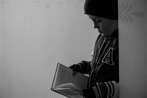 Son_reading_4dpr