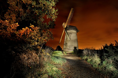 BIDSTON WINDMILL PAINTING WITH LIGHT