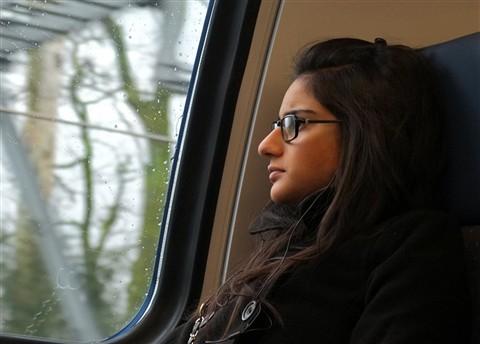 La fille et la vitre 2012