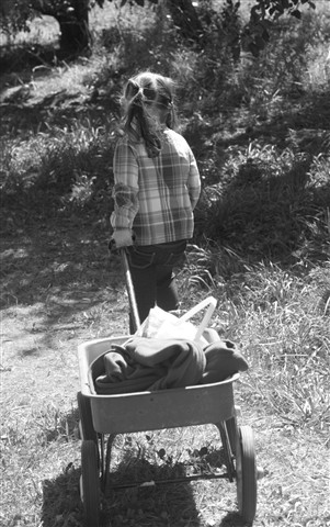 girl & wagon