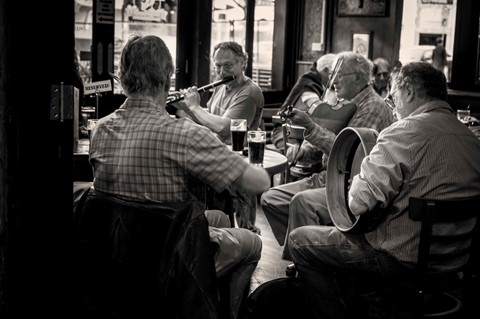 Irish Jam at the local pub B&W