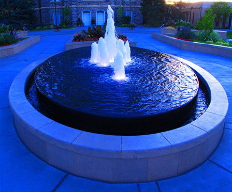 Round Fountain at dusk challenge IMG_7334