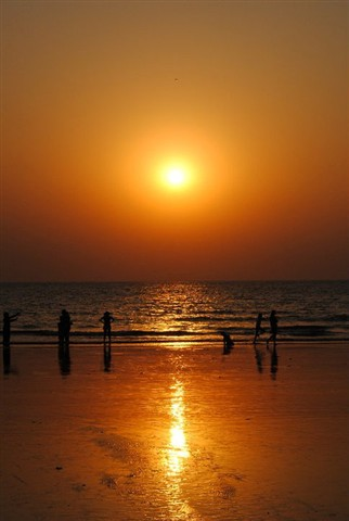 Sunset_Mumbai_JuhuBeach_India