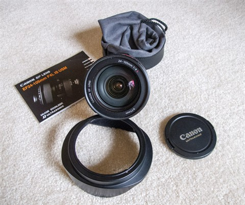 Canon Zoom Lens EF 24-105 mm F4.0 L--