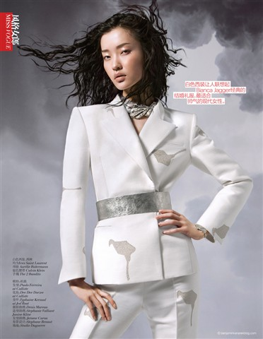 Du-Juan-Benjamin-Kanarek-VOGUE-China-Modern-White-Sept-2012-1