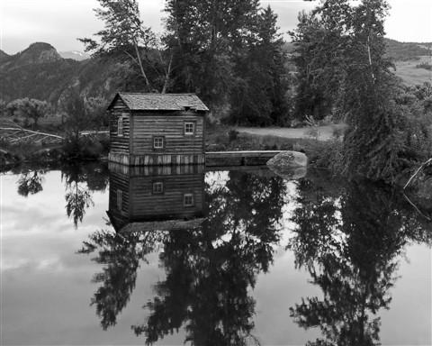 pond cabin1