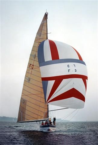 France 3 with man aloft