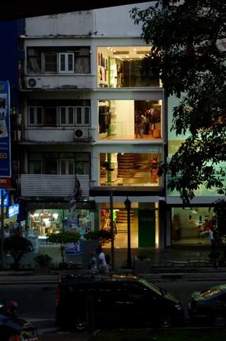 Fashion shop opened at night, Yeah
