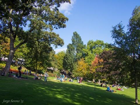 Edinburgh zondag in het stadspark