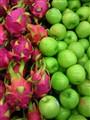 Dragon Fruit vs Green Apple