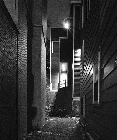 Alley ... at 1600