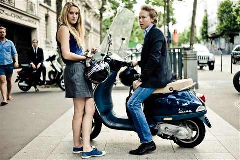 street fashion vespa paris hr johnwoan galleries digital photography review digital. Black Bedroom Furniture Sets. Home Design Ideas