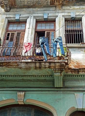 Magritte visits Havana