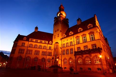 0115 Rathaus im Nachthimmel